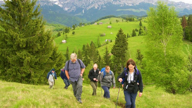 TRAITS TO LOOK FOR IN A TOUR GUIDE FROM ROMANIA
